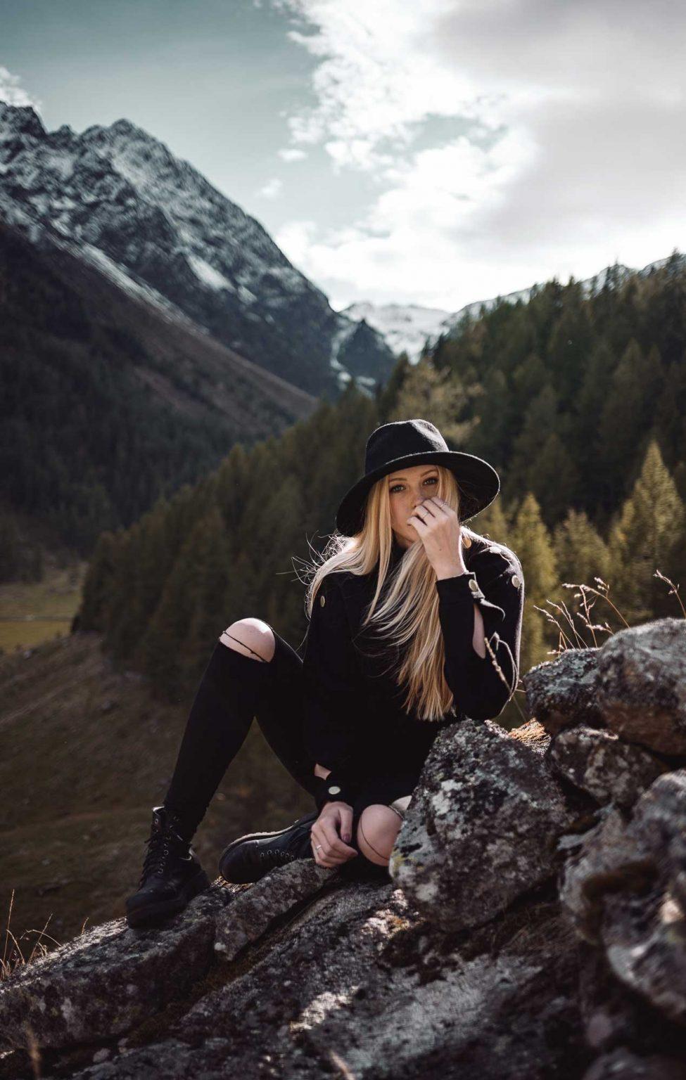 Natur Fotoshooting in Tirol vor Bergkulisse